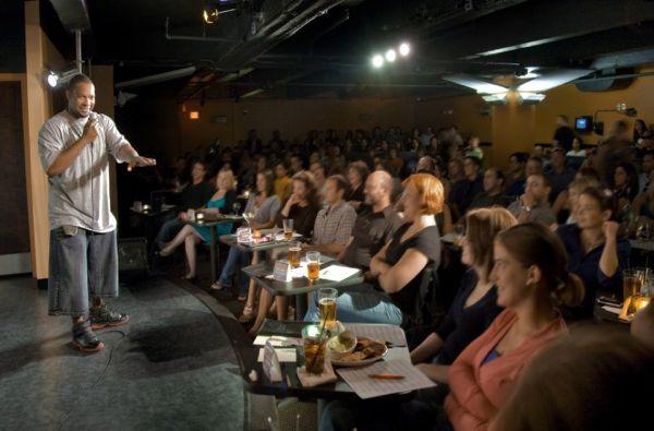 First-date-comedy-club